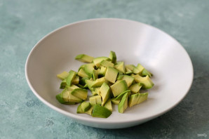 Салат из брокколи и авокадо - фото шаг 5