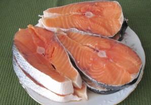 Красная рыба под соусом - фото шаг 1