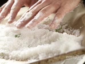 Форель, запеченная в ароматной корочке - фото шаг 5