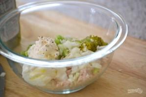 Салат с рыбой - фото шаг 4