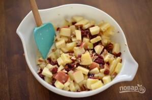 Рождественский салат с яблоком и орехами - фото шаг 5