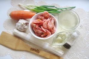 Суп с креветками и лапшой - фото шаг 1