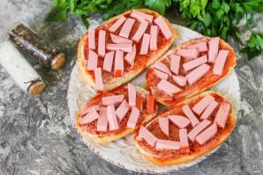 Пицца в батоне в микроволновке - фото шаг 3