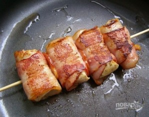 Куриная грудка в беконе на шпажках - фото шаг 7