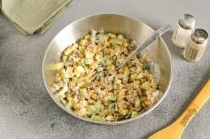 Салат с грибами жареными - фото шаг 9