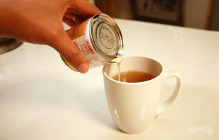 Чай со сгущенкой - фото шаг 3