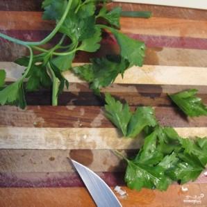 Омлет с петрушкой и зеленым луком - фото шаг 2