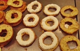 Заварные кольца с творожным кремом - фото шаг 7
