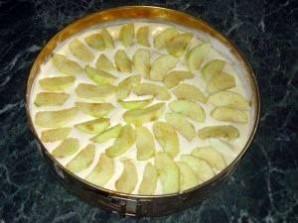 """Пирог с яблоками """"Шарлотка"""" - фото шаг 8"""