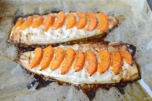 Скумбрия с абрикосами - фото шаг 5