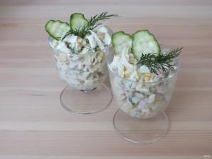 Простой салат из консервированных кальмаров - фото шаг 4