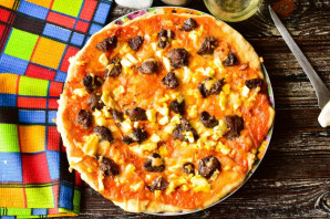 Пицца с куриной печенью