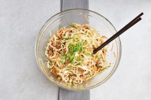 Салат с рисовой лапшой - фото шаг 11