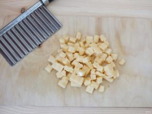 Салат с кириешками и огурцами - фото шаг 3