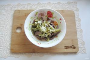 Салат с языком и морковью - фото шаг 13