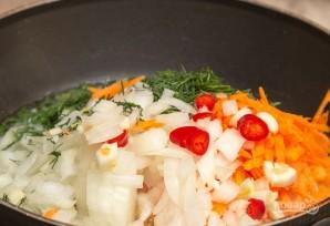 Горячий сырный суп с колбасой - фото шаг 2