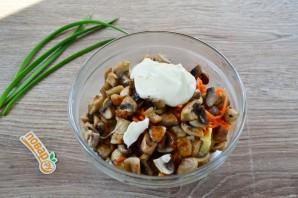 Очень вкусный салат на 8 Марта - фото шаг 8