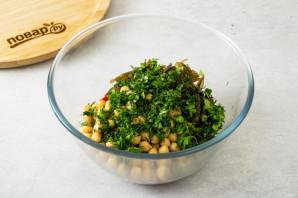 Салат с нутом и морской капустой - фото шаг 4