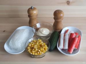 Салат с фунчозой и крабовыми палочками - фото шаг 1