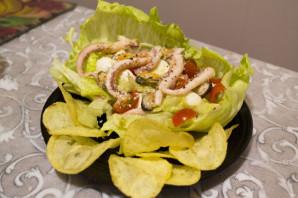 """Салат из кальмаров и мидий с чипсами """"Жемчужина моря"""" - фото шаг 7"""