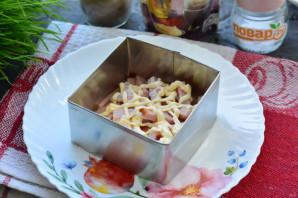 Слоеный салат с плавленым сыром