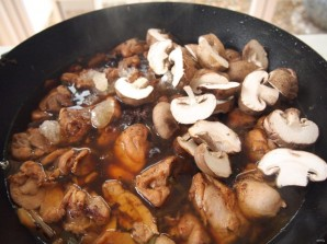 Курица с грибами в соевом соусе - фото шаг 5