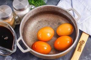 Маринованные яйца в соевом соусе