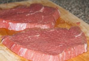 Мясо под сыром в духовке - фото шаг 3