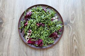 Салат с сыром с плесенью и грушей - фото шаг 2