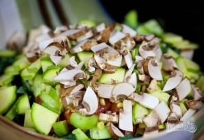 Салат из курицы с грибами - фото шаг 5