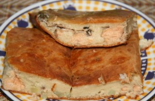 Пирог с рыбой на кефире - фото шаг 5