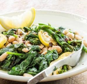 Овощной салат с белой фасолью - фото шаг 6