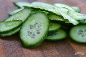 Быстрый салат из огурцов - фото шаг 1