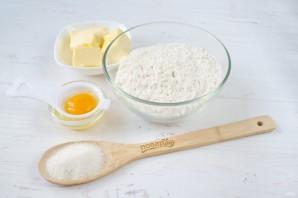Творожный пирог со смородиной и меренгой - фото шаг 1