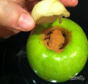 Яблочки, печенные с медом и орехами - фото шаг 3