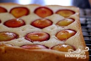 Пирог с крупными сливами и корицей - фото шаг 4