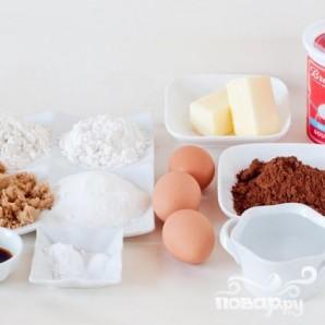 Клубничный торт с шоколадным кремом и глазурью - фото шаг 2