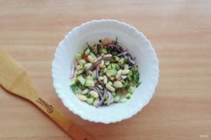 Салат с фасолью и огурцами - фото шаг 9