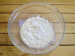 Пицца с солеными огурцами - фото шаг 3
