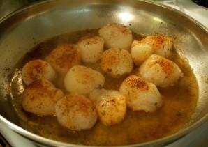 Паста с гребешками в сливочном соусе - фото шаг 2