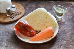 Салат из маринованной капусты с морковью - фото шаг 1