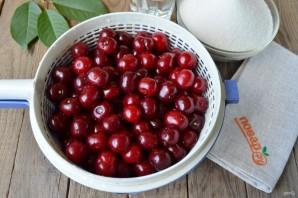 Варенье из вишни с косточками на зиму густое - фото шаг 2