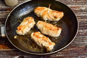Куриные рулетики с творожным сыром - фото шаг 7