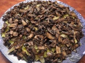 """Слоеный салат """"Лемберг"""" с грибами - фото шаг 10"""