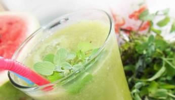 Зеленый коктейль с лимоном - фото шаг 5
