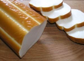 Салат с копченым колбасным сыром - фото шаг 1