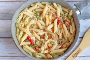 Паста с помидорами и маслинами - фото шаг 5