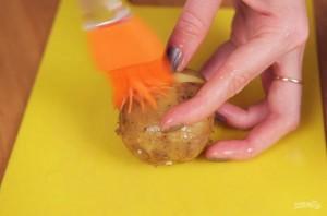 Запеченный картофель в духовке с сыром - фото шаг 2