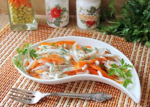 Салат с кальмарами и маринованным луком - фото шаг 14