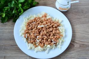 Салат с фасолью, капустой и курицей - фото шаг 4